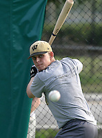 Brandon Snyder of Westfield High School practices during his teams spring trip on March 20, 2005 in Florida.  (Mike Janes/Four Seam Images)