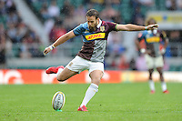 Ruaridh Jackson of Harlequins takes a penalty kick during the Aviva Premiership Rugby match between Harlequins and Bristol Rugby at Twickenham Stadium on Saturday 03 September 2016 (Photo by Rob Munro/Stewart Communications)