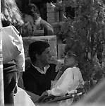 ORNELLA VANONI CON ANTONELLO FALQUI  - PIAZZA DEL POPOLO ROMA 1978