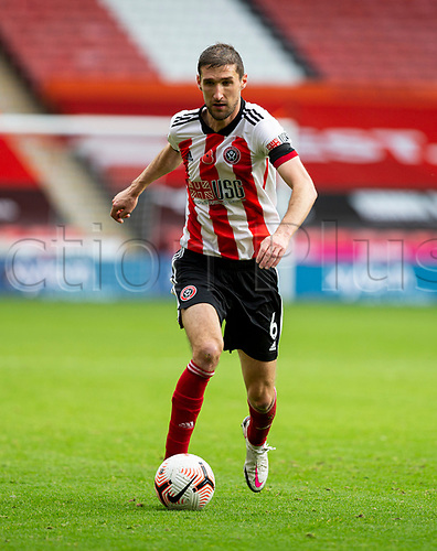 31st October 2020; Bramall Lane, Sheffield, Yorkshire, England; English Premier League Football, Sheffield United versus Manchester City; Chris Basham of Sheffield United  breaks forward with the ball at his feet