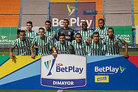 MEDELLIN - COLOMBIA, 18-04-2021: Jugadores de Nacional posan para una foto previo al partido por la fecha 19 de la Liga BetPlay DIMAYOR I 2021 entre Atlético Nacional y Patriotas Boyacá F.C. jugado en el estadio Atanasio Girardot de la ciudad de Medellín. / Players of Nacional pose to a photo prior match for the date 19 as part of BetPlay DIMAYOR League I 2021 between Atletico Nacional and Patriotas Boyaca F.C. played at Atanasio Girardot stadium in Medellín city. Photo: VizzorImage / Juan A Cardona / Cont
