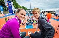 Den Bosch, Netherlands, 13 June, 2018, Tennis, Libema Open, Kidsday, kids press conference with Demi Schuurs (NED) (R) and Bibiane Schoofs (NED)<br /> Photo: Henk Koster/tennisimages.com