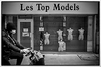 Europe /France/Ile de France/Paris :   75011, rue Popincourt - Confinement Printemps 2020 et devanture Top Models  //  Europe / France / Ile de France / Paris: 75011, rue Popincourt - Spring 2020 confinement and Top Models storefront