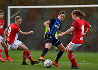 Standard's Charlotte Cranshoff pictured in a fight for the ball with Charlotte Laridon (15 Brugge) and Standard's Elien Nelissen (right) during a female soccer game between Standard Femina de Liege and Club Brugge YLA on the seventh matchday of the 2020 - 2021 season of Belgian Scooore Womens Super League , saturday 14 th of November 2020  in Angleur , Belgium . PHOTO SPORTPIX.BE | SPP | DAVID CATRY