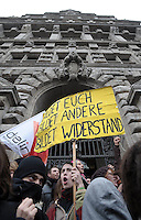 Studentenproteste gegen Zustand und Form des Deutschen Bildungssystems an den Hochschulen und Universitäten. Foto: Norman Rembarz....Norman Rembarz , ( ASV-Autorennummer 41043728 ), Holbeinstr. 14, 04229 Leipzig, Tel.: 01794887569, Hypovereinsbank: BLZ: 86020086, KN: 357889472, St.Nr.: 231/261/06432 - Jegliche kommerzielle Nutzung ist honorar- und mehrwertsteuerpflichtig! Persönlichkeitsrechte sind zu wahren. Es wird keine Haftung übernommen bei Verletzung von Rechten Dritter. Autoren-Nennung gem. §13 UrhGes. wird verlangt. Weitergabe an Dritte nur nach  vorheriger Absprache...GPS:  Länge - E12°22.363' .            Breite - N51°20.153'