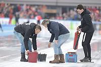 SCHAATSEN: AMSTERDAM: Olympisch Stadion, 11-03-2018, WK Allround, Coolste Baan van Nederland, IJsreparatie door ijsmeester Beert Boomsma, ©foto Martin de Jong