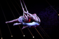 -- NO TABLOIDS NO SITE WEB - 41st International Circus Festival of Monte-Carlo Opening. Duo Emotion.
