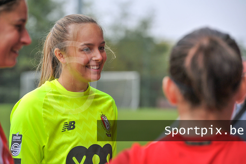 goalkeeper Lisa Lichtfus (16 Standard) pictured before a female soccer game between Standard Femina de Liege and Dames SV Zulte Waregem on the fifth matchday of the 2020 - 2021 season of Belgian Scooore Womens Super League , saturday 17 th of October 2020  in Angleur , Belgium . PHOTO SPORTPIX.BE | SPP | STIJN AUDOOREN