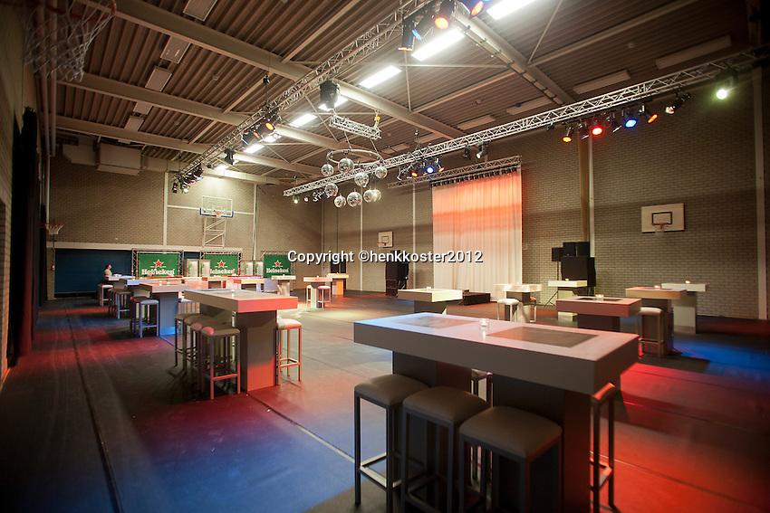 10-02-12, Netherlands,Tennis, Den Bosch, Daviscup Netherlands-Finland, Loting, KNLTB hospitality