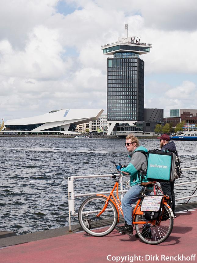 Hafenfähre, Eye Filmmuseum und A'DAMToren, Amsterdam, Provinz Nordholland, Niederlande<br /> harbor ferry, Eye Filmmuseum and A'DAM Toren, Amsterdam, Province North Holland, Netherlands