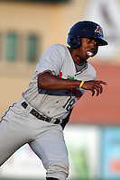 Fort Myers Miracle Reggie Williams #18 during a game against the Palm Beach Cardinals at Roger Dean Stadium on June 21, 2011 in Jupiter, Florida.  Palm Beach defeated Fort Myers 5-0.  (Mike Janes/Four Seam Images)
