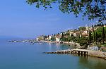 Kroatien, Istrien, Kvarner Bucht, Volosko: Badeort an der Kvarner Riviera | Croatia, Volosko: resort at the Kvarner Riviera