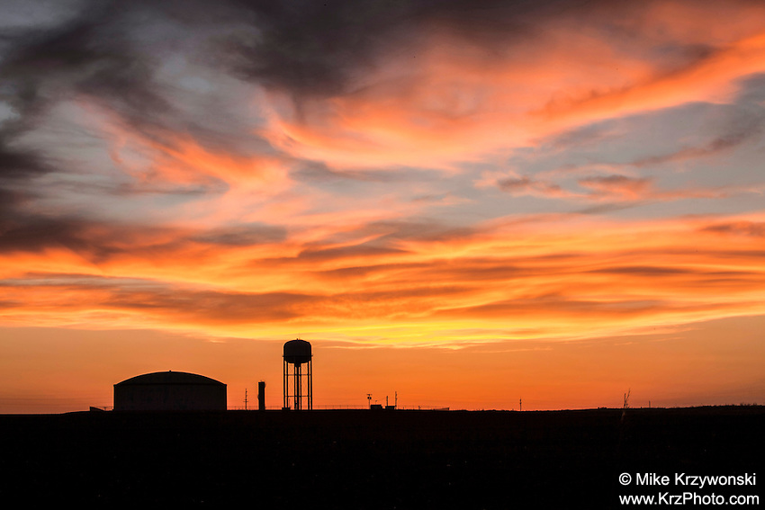 Sunset w/ Water Tower in Enid, OK