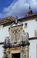 Europe/Portugal/Coimbra : La vieille université détail du portail