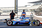 Winner #30: Takuma Sato, Rahal Letterman Lanigan Racing Honda with HPD engineer Allen Miller
