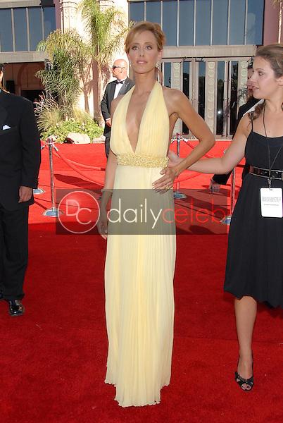 Kim Raver<br />arriving at the 58th Annual Primetime Emmy Awards. The Shrine Auditorium, Los Angeles, CA. 08-27-06<br />Scott Kirkland/DailyCeleb.com 818-249-4998