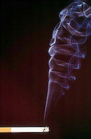 SMOKE TURBULENCE - Cigarette smoke<br /> Hot gases from a lit cigarette (made visible by smoke particles) move first in streamline-laminar flow and then in turbulent flow.