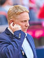 Tobias Herwerth, Pressesprecher VFB,  Halbfigur ,  , Einzel, Portrait, Portraet, Einzel   <br /> FC BAYERN MUENCHEN - VFB STUTTGART 1-4<br /> Football 1. Bundesliga , Muenchen,12.05.2018, 34. match day,  2017/2018, , 28.Meistertitel, <br />   *** Local Caption *** © pixathlon