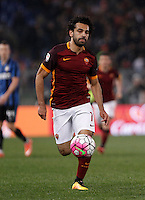 Calcio, Serie A: Roma vs Inter. Roma, stadio Olimpico, 19 marzo 2016.<br /> Roma's Mohamed Salah in action during the Italian Serie A football match between Roma and FC Inter at Rome's Olympic stadium, 19 March 2016. The game ended 1-1.<br /> UPDATE IMAGES PRESS/Isabella Bonotto