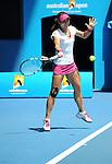Na Li (CHN) defeats Lucie Safarova (CZE) 1-6, 7-6, 6-3