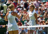 England, London, June 30, 2015, Tennis, Wimbledon, Kiki Bertens (NED) (L) sjekkies the hand of winner Petra Kvitova (CZE)<br /> Photo: Tennisimages/Henk Koster
