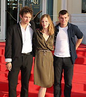 THEO CHOLBI, MARION DEFER ET ZACHARIE CHASSERIAUD - 31EME FESTIVAL DE CABOURG 2017 . CABOURG, FRANCE, 18/06/2017. # 31EME FESTIVAL DE CABOURG 2017 - PHOTOCALL ET CLOTURE DU FESTIVAL