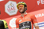 Race leader Adam Yates (GBR) Mitchelton-Scott at sign on before Stage 4 the Emirates NBD Stage of the UAE Tour 2020 running 173km from Dubai Zabeel Park to Dubai City Walk, Dubai. 26th February 2020.<br /> Picture: LaPresse/Fabio Ferrari | Cyclefile<br /> <br /> All photos usage must carry mandatory copyright credit (© Cyclefile | LaPresse/Fabio Ferrari)