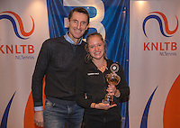 Hilversum, Netherlands, December 4, 2016, Winter Youth Circuit Masters, 3 th place girls 16 years, Margreet Timmermans with Fedcup captain Paul Haarhuis.<br /> Photo: Tennisimages/Henk Koster