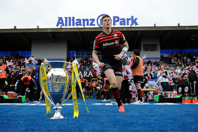 20130512 Copyright onEdition 2013©.Free for editorial use image, please credit: onEdition..David Strettle of Saracens  runs out at the beginning of  the Premiership Rugby semi final match between Saracens and Northampton Saints at Allianz Park on Sunday 12th May 2013 (Photo by Rob Munro)..For press contacts contact: Sam Feasey at brandRapport on M: +44 (0)7717 757114 E: SFeasey@brand-rapport.com..If you require a higher resolution image or you have any other onEdition photographic enquiries, please contact onEdition on 0845 900 2 900 or email info@onEdition.com.This image is copyright onEdition 2013©..This image has been supplied by onEdition and must be credited onEdition. The author is asserting his full Moral rights in relation to the publication of this image. Rights for onward transmission of any image or file is not granted or implied. Changing or deleting Copyright information is illegal as specified in the Copyright, Design and Patents Act 1988. If you are in any way unsure of your right to publish this image please contact onEdition on 0845 900 2 900 or email info@onEdition.com