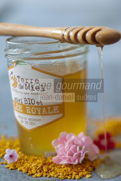 Gastronomie Générale / Diététique /Miel BIO , Gelée Royale , et Pollen /  General Gastronomy / Diet / Organic Purple Garlic // Gastronomie Générale / Diététique /Miel BIO , Gelée Royale , et Pollen /