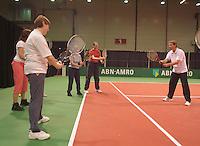 25-2-06, Netherlands, tennis, Rotterdam, Clinic with Jan Siemerink