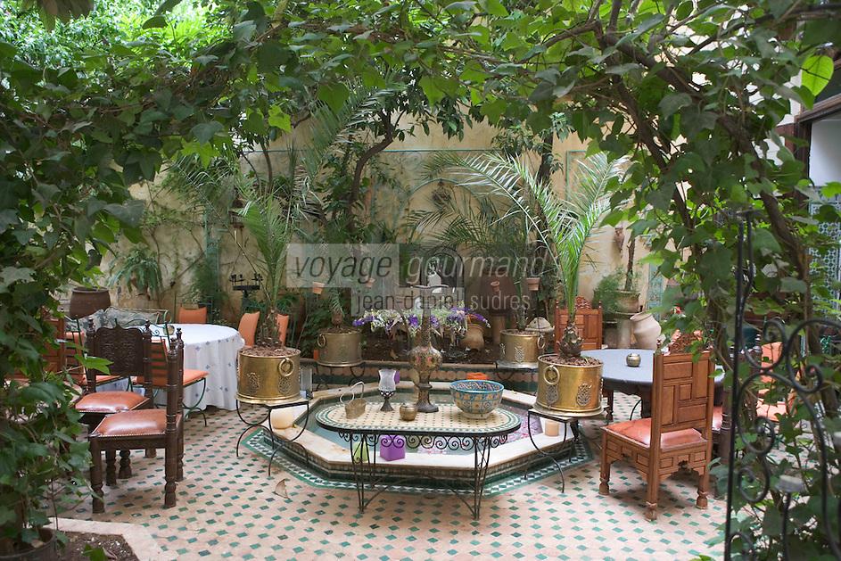 Afrique/Afrique du Nord/Maroc/Fèz: Médina de Fèz-El-Bali jardin du Restaurant l'Arabesque