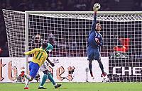Kevin Trapp (Deutschland Germany) lenkt den Schuss von Philippe Coutinho (Brasilien Brasilia) über das Tor - 27.03.2018: Deutschland vs. Brasilien, Olympiastadion Berlin