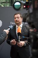 """49. Sitzung des NSU-Untersuchungsausschuss des Deutschen Bundestag.<br /> Als Zeuge war der ehemalige Neonazi und V-Mann Michael See alias Michael von Dolsperg (Deckname """"Tarif"""") geladen.<br /> Im Bild: Uli Groetsch, Polizeibeamter und Obmann der SPD, beim Pressestatement nach der nichtoeffentlichen Zeugenvernehmung.<br /> 16.2.2017, Berlin<br /> Copyright: Christian-Ditsch.de<br /> [Inhaltsveraendernde Manipulation des Fotos nur nach ausdruecklicher Genehmigung des Fotografen. Vereinbarungen ueber Abtretung von Persoenlichkeitsrechten/Model Release der abgebildeten Person/Personen liegen nicht vor. NO MODEL RELEASE! Nur fuer Redaktionelle Zwecke. Don't publish without copyright Christian-Ditsch.de, Veroeffentlichung nur mit Fotografennennung, sowie gegen Honorar, MwSt. und Beleg. Konto: I N G - D i B a, IBAN DE58500105175400192269, BIC INGDDEFFXXX, Kontakt: post@christian-ditsch.de<br /> Bei der Bearbeitung der Dateiinformationen darf die Urheberkennzeichnung in den EXIF- und  IPTC-Daten nicht entfernt werden, diese sind in digitalen Medien nach §95c UrhG rechtlich geschuetzt. Der Urhebervermerk wird gemaess §13 UrhG verlangt.]"""