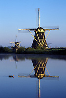 Holland, windmill, canal, Kinderdijk, Netherlands, Zuid-Holland, Europe, Mills of Kinderdijk, Working windmills along a canal in Kinderdijk.