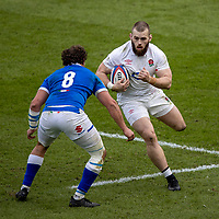 13th February 2021; Twickenham, London, England; International Rugby, Six Nations, England versus Italy; Luke Cowan-Dickie of England avoids the tackle from Michele Lamaro of Italy