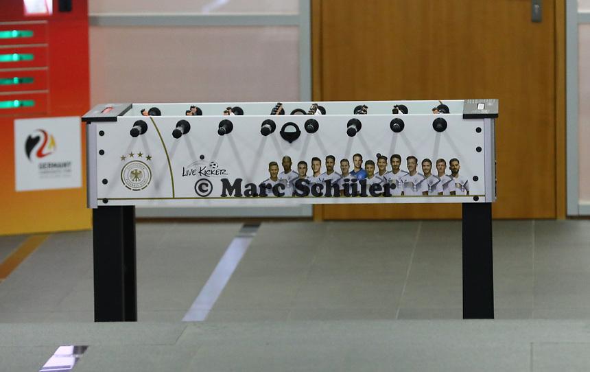 Kicker in der DFB Zentrale mit Thomas Müller, Mats Hummels, Jerome Boateng, Sami Khedira und Mesut Özil - 15.03.2019: Pressekonferenz der Deutschen Nationalmannschaft, DFB Zentrale Frankfurt