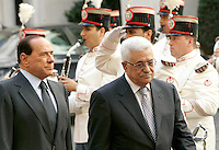 Il Presidente del Consiglio Silvio Berlusconi, sinistra, accoglie il Presidente dell'Autorita' Nazionale Palestinese Mahmoud Abbasa Palazzo Chigi, Roma, 7 ottobre 2009..Italian Premier Silvio Berlusconi, left,  welcomes Palestinian President Mahmoud Abbasat Chigi Palace, Rome, 7 october 2009..UPDATE IMAGES PRESS/Riccardo De Luca