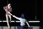 Otomo..Duo extrait de Con Forts Fleuve -..Recréation 2008..avec : ..Chorégraphie : Boris Charmatz..Lumières : Yves Godin..Opéra de Lyon - Lyon..le 7 septembre 2008..Copyright © Laurent Paillier / photosdedanse.com . ..All rights reserved