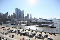 Blick auf Downtown New York von der Norwegian Breakaway am Manhattan Cruise Terminal