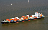 Conatiner Schiff Cap Roberta: EUROPA, DEUTSCHLAND, HAMBURG, (EUROPE, GERMANY), 26.06.2011: Das Conatiner Schiff Cap Roberta gehoert zum Europe-NCSA-WCSA service - New Eurosal / EuroAndes - Loop 1. Es ist eine Allianz zwischen den Reedereien Hapag-Lloyd und Hamburg Sued. Die Reederei CMA-CGM hat Slots auf dem Loop. In den woechentlichen Abfahrten besteht eine durchschnittliche Kapazitaet von 4003 TEU. Die Hafenrotation<br />ist Rotterdam, Hamburg, Tilbury, Antwerp, Caucedo, Cartagena, Manzanillo, Callao, Valparaiso, Callao,<br />Manzanillo, Cartagena, Caucedo, Rotterdam  <br />Conatiner Schiff, Hamburg Sued, Cap Roberta, Containerschiff, Europa, Deutschland, Hamburg, Berufsschiffahrt, Berufsschiffahrt , Berufsschifffahrt, Gueter, Gueterverkehr, Handel, Import, Schiff, Schiffahrt, Schifffahrt,  Schiffssportraits, Seehandel, Transport, Transporter, verfrachten, Verkehrsmittel, Ware, Warenstrom, Umlauf, Allianz von Redereien, Welthandel, Luftbild, Luftaufnahme, <br /> <br /><br /><br />c o p y r i g h t : A U F W I N D - L U F T B I L D E R . de<br />G e r t r u d - B a e u m e r - S t i e g 1 0 2, <br />2 1 0 3 5 H a m b u r g , G e r m a n y<br />P h o n e + 4 9 (0) 1 7 1 - 6 8 6 6 0 6 9 <br />E m a i l H w e i 1 @ a o l . c o m<br />w w w . a u f w i n d - l u f t b i l d e r . d e<br />K o n t o : P o s t b a n k H a m b u r g <br />B l z : 2 0 0 1 0 0 2 0 <br />K o n t o : 5 8 3 6 5 7 2 0 9