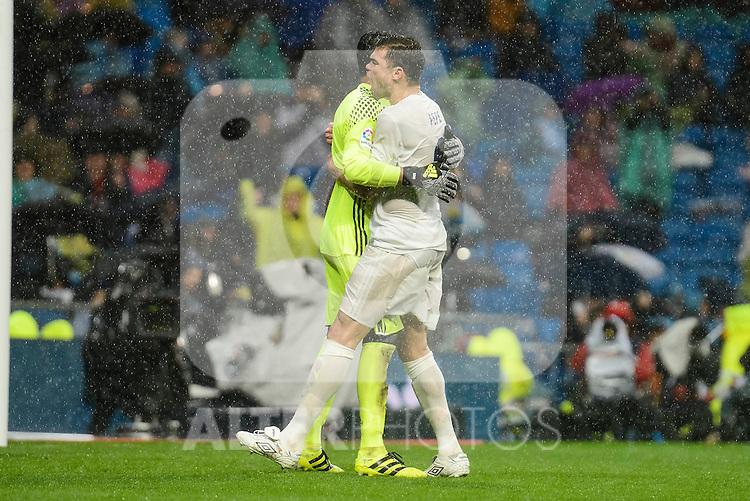 Real Madrid's player Keylor Navas and Pepe during match of La Liga between Real Madrid and Sporting de Gijon at Santiago Bernabeu Stadium in Madrid, Spain. November 26, 2016. (ALTERPHOTOS/BorjaB.Hojas)