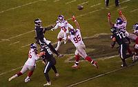 Pass von quarterback Carson Wentz (11) of the Philadelphia Eagles - 09.12.2019: Philadelphia Eagles vs. New York Giants, Monday Night Football, Lincoln Financial Field