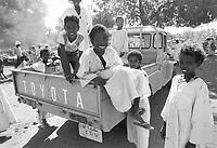 - Northern Sudan, children in the market of a village in Tombos area, along the Nilo <br /> <br /> - Sudan settentrionale, bambini nel mercato di un villaggio nella zona di Tombos, lungo il Nilo