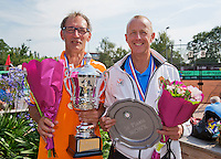 Netherlands, Amstelveen, August 23, 2015, Tennis,  National Veteran Championships, NVK, TV de Kegel,  awards ceremony, Winner men's 60+, Frits Raijmakers (L) and runner up Martin Koek<br /> Photo: Tennisimages/Henk Koster