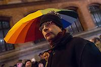 """Etwa 200 Anhaenger des Berliner Ablegers rechten Pegida-Bewegung, Baergida, versammelten sich am Montag den 5. Januar 2015 in Berlin zu einer Demonstration gegen eine angebliche Islamisierung Deutschlands und dagegen, dass """"in 30 Jahren in Deutschland die Sharia herrscht"""", so der Organisator Karl Schmitt.Bis zu 5.000 Menschen protestierten gegen den rechten Ausmarsch und blockierten bei Regen die Marschroute mehrere Stunden. Die Polizei schaffte es nicht mit koerperlicher Gewalt die Blockade zu beenden, so dass die Rechten nach drei Stunden nach Hause gehen mussten. Die Baergida-Anhaenger, """"Berlin gegen die Islamisierung des Abendlandes"""", feierten dies aber dennoch als Sieg. Waren zur ersten Baergida-Aktion eine Woche zuvor nur 5 Menschen gekommen.<br /> Unter den Anhaengern von Baergida waren viele bekannte militante Neonazis und Hooligans sowie Mitglieder der Rechtsparteien AfD und Pro Deutschland und der rechtsradikalen German Defense League. Immer wieder wurde skandiert """"Luegenpresse, auf die Fresse"""" und dass die Journalisten nach Israel verschwinden sollen.<br /> Im Bild: Der Bundesvorsitzende der sog. """"Buergerbewegung Pro Deutschland"""" (Pro Deutschland), Manfred Rouhs.<br /> 5.1.2015, Berlin<br /> Copyright: Christian-Ditsch.de<br /> [Inhaltsveraendernde Manipulation des Fotos nur nach ausdruecklicher Genehmigung des Fotografen. Vereinbarungen ueber Abtretung von Persoenlichkeitsrechten/Model Release der abgebildeten Person/Personen liegen nicht vor. NO MODEL RELEASE! Nur fuer Redaktionelle Zwecke. Don't publish without copyright Christian-Ditsch.de, Veroeffentlichung nur mit Fotografennennung, sowie gegen Honorar, MwSt. und Beleg. Konto: I N G - D i B a, IBAN DE58500105175400192269, BIC INGDDEFFXXX, Kontakt: post@christian-ditsch.de<br /> Bei der Bearbeitung der Dateiinformationen darf die Urheberkennzeichnung in den EXIF- und  IPTC-Daten nicht entfernt werden, diese sind in digitalen Medien nach §95c UrhG rechtlich geschuetzt. Der Urhebervermerk wird gemaess """