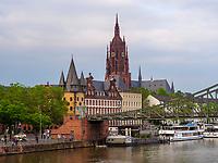 Dom, Brücke Eiserner Steg in Frankfurt, Hessen, Deutschland, Europa<br /> Dome, bridge Eiserner Steg in Frankfurt, Hesse, Germany, Europe
