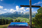 Austria, Tyrol, Reith near Kitzbuhel, above Going: panoramic view at Wilder Kaiser mountains | Oesterreich, Tirol, Reith bei Kitzbuehel, oberhalb von Going: Panoramablick auf das Wilder Kaiser Gebirge