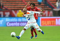 MEDELLIN- COLOMBIA, 24-03-2019:William Arboleda  (Der.) jugador del Independiente Medellín  disputa el balón con Nicolás Giraldo (Izq.) Jugador del Envigado  durante partido por la fecha 11 de La Liga Aguila I 2019 ,jugado en el estadio Atanasio Girardot de la ciudad de Medellín /William Arboleda (R) player of Independiente Medellin  vies for the ball with Nicolás Giraldo (L) of Envigado during match for the date 11 as part Aguila League I 2019 between Independiente Medellin  and Envigado played at Atanasio Girardot stadium in Medellin  city.  Photo: VizzorImage / León Monsalve  / Contribuidor