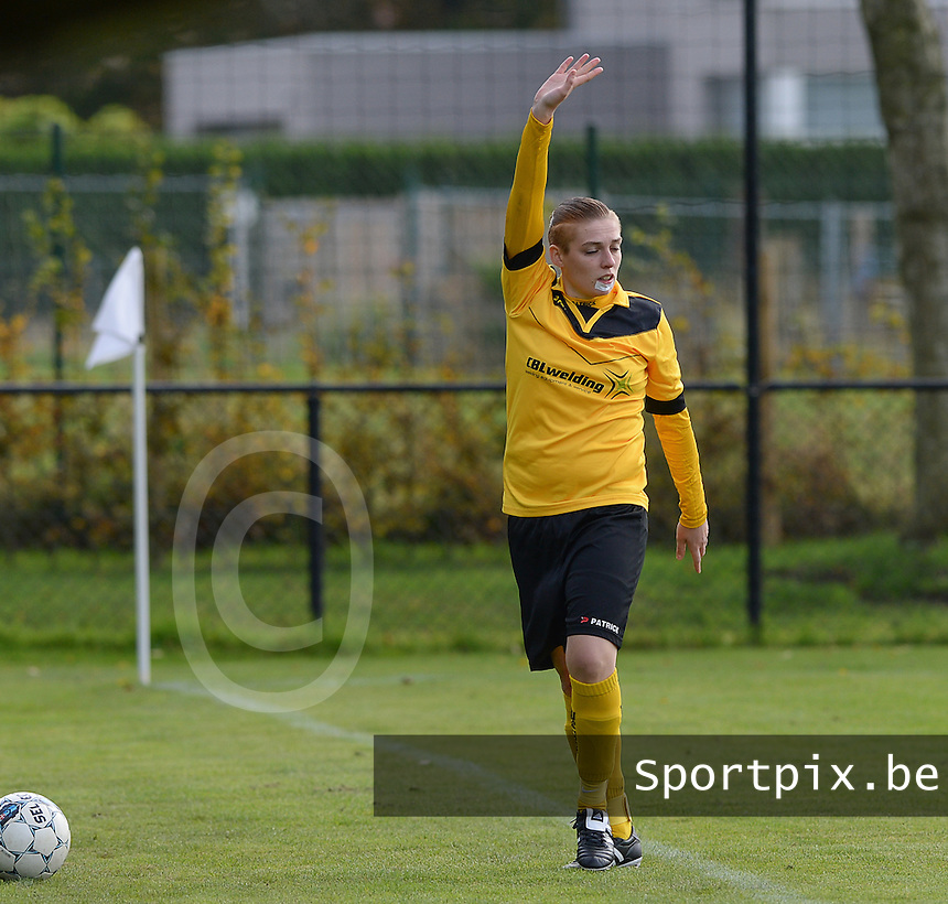 20151024 - ZWEVEZELE , BELGIUM : Joyce Vaernewyck pictured during a soccer match between the women teams of SKV Zwevezele Ladies and KSOC Maria Ter Heide  , during the eight matchday in the Third League - Derde Nationale season, Saturday 24 October 2015 . PHOTO DAVID CATRY